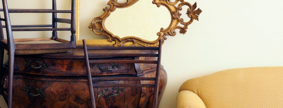 Dresser, chairs and mirror